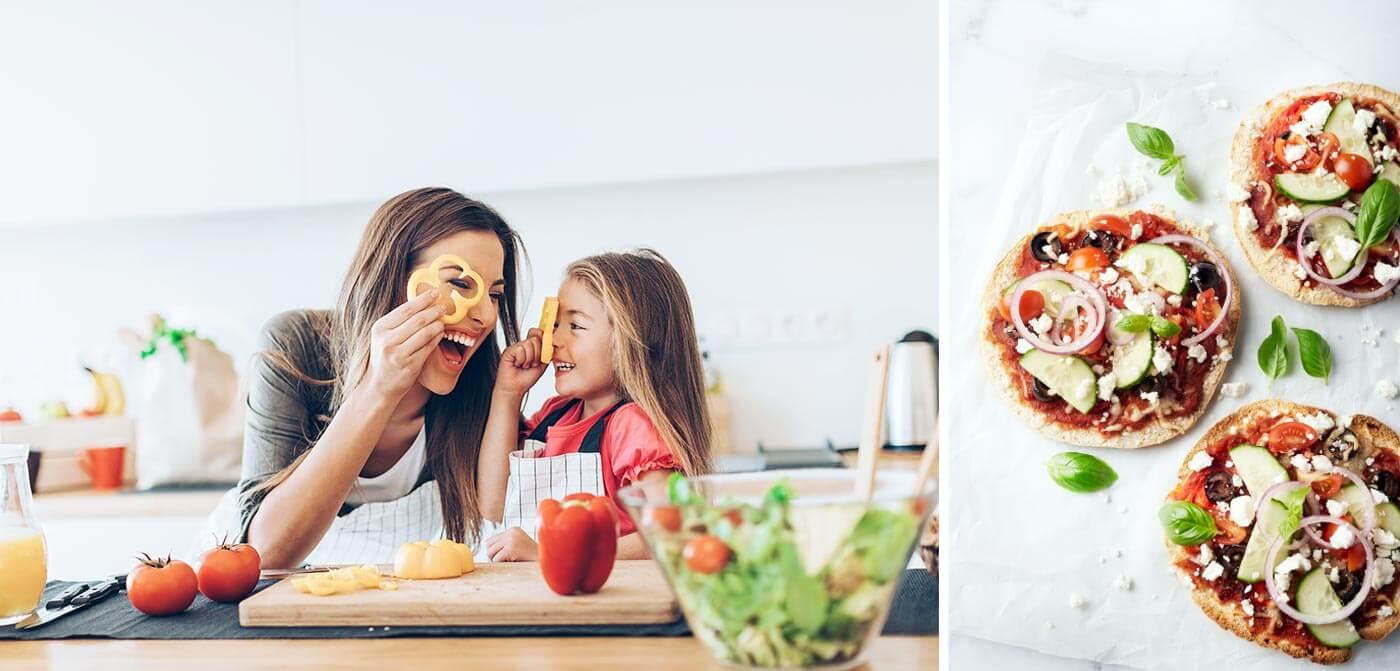 2-delige afbeelding van een moeder en dochter die het eten klaarmaken en een pizzata.
