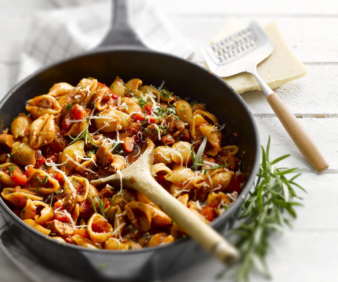 One pot pasta met chorizo en paprika