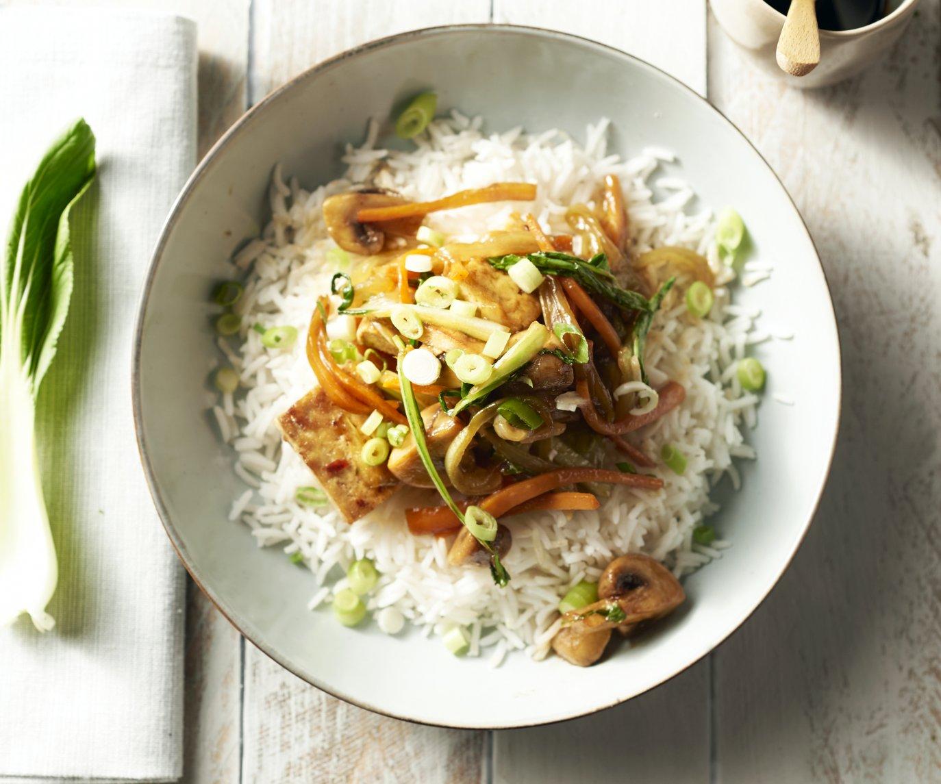 Gewokte tofu met champignons en paksoi