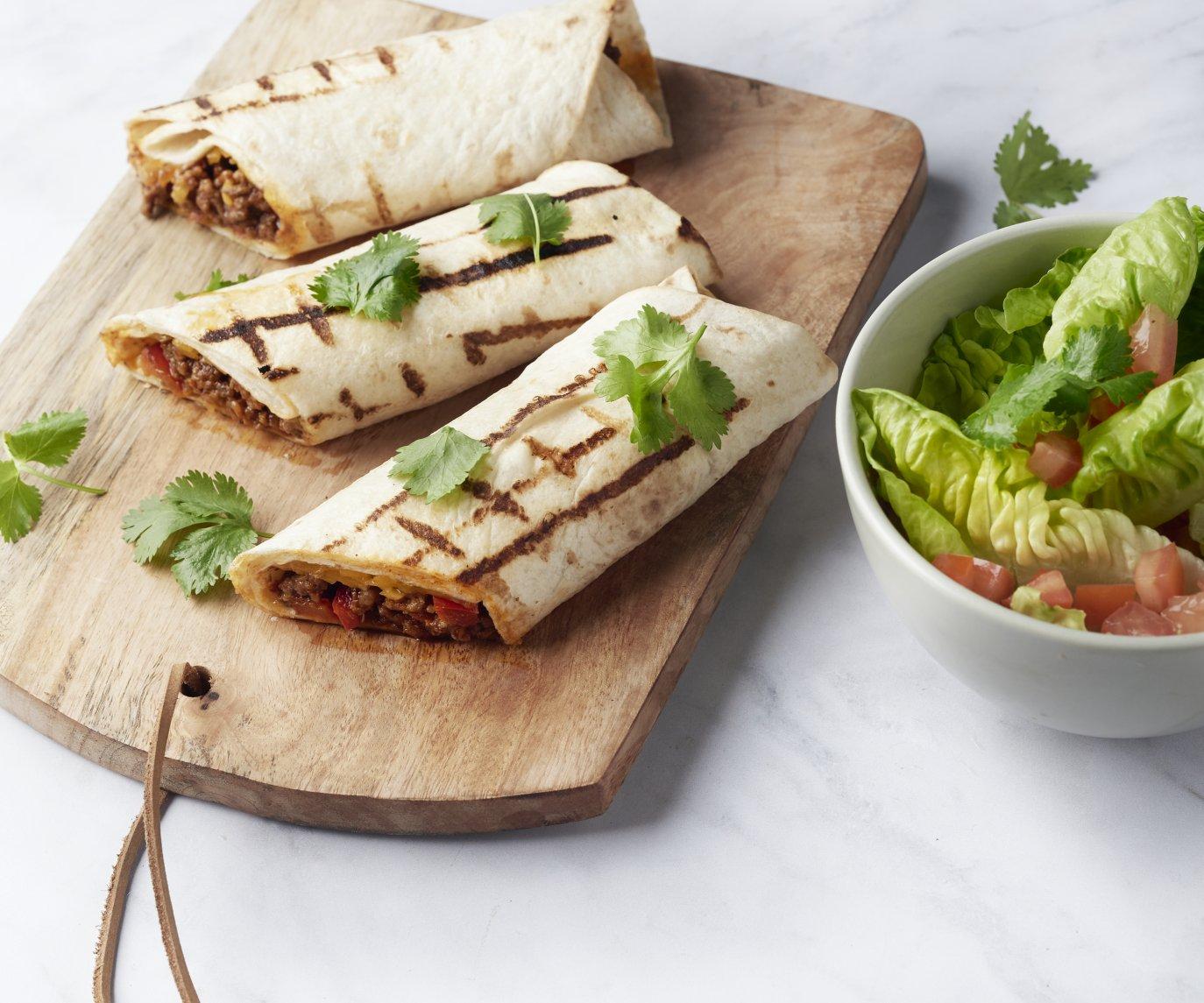 Burrito's met rundsgehakt en tomaat