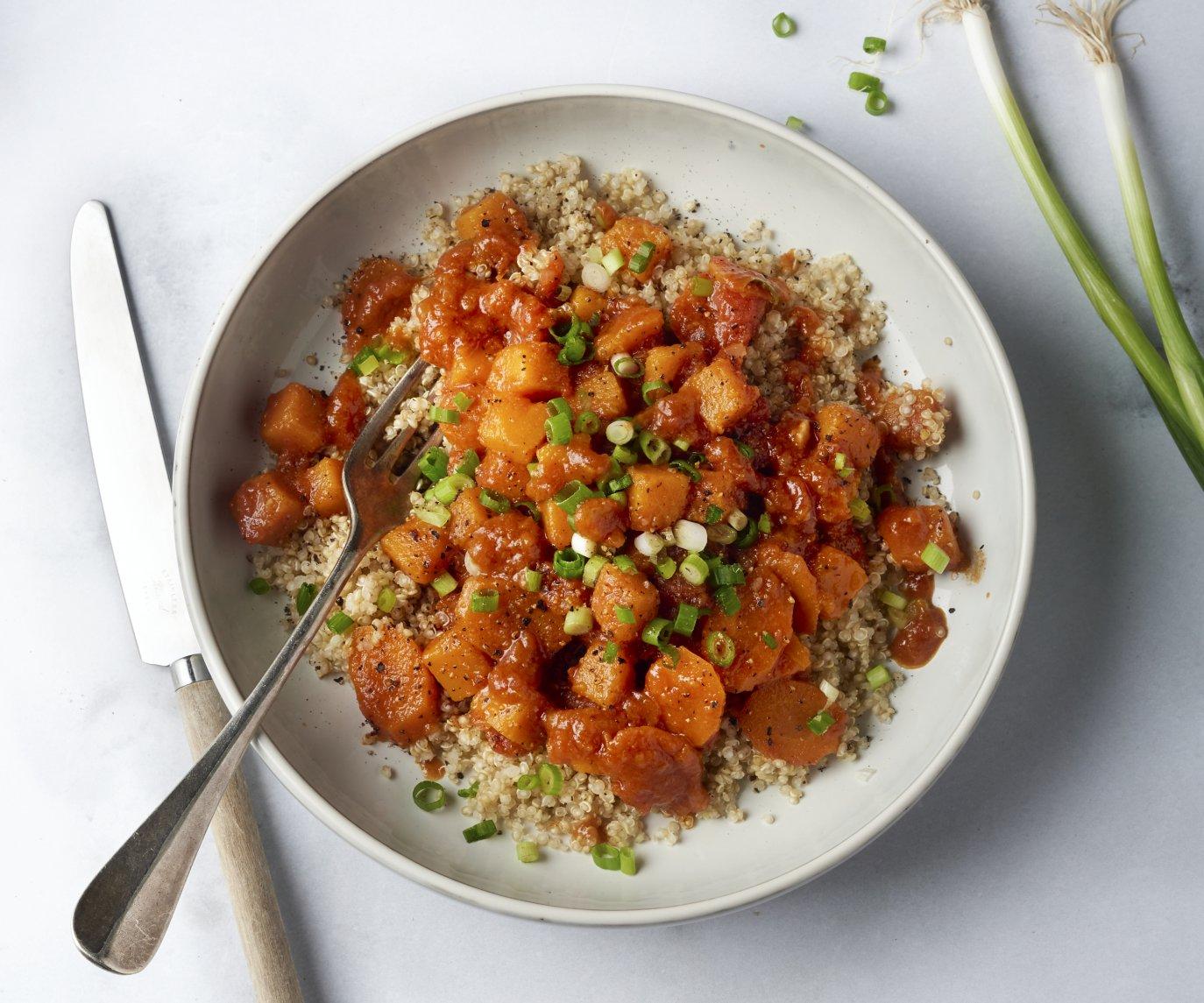 Stoofpot van wortel en pompoen met quinoa