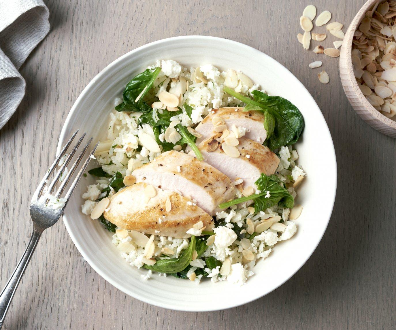 Kip met pilaf met spinazie en feta