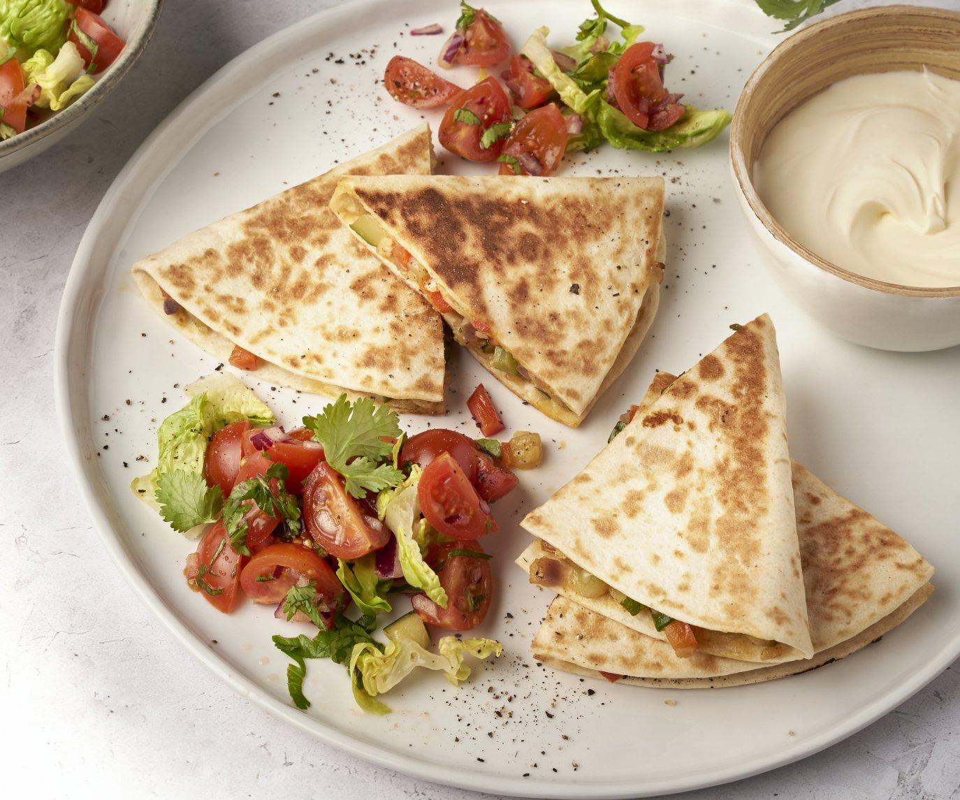 Veggie quesadilla's met kerstomatensalsa