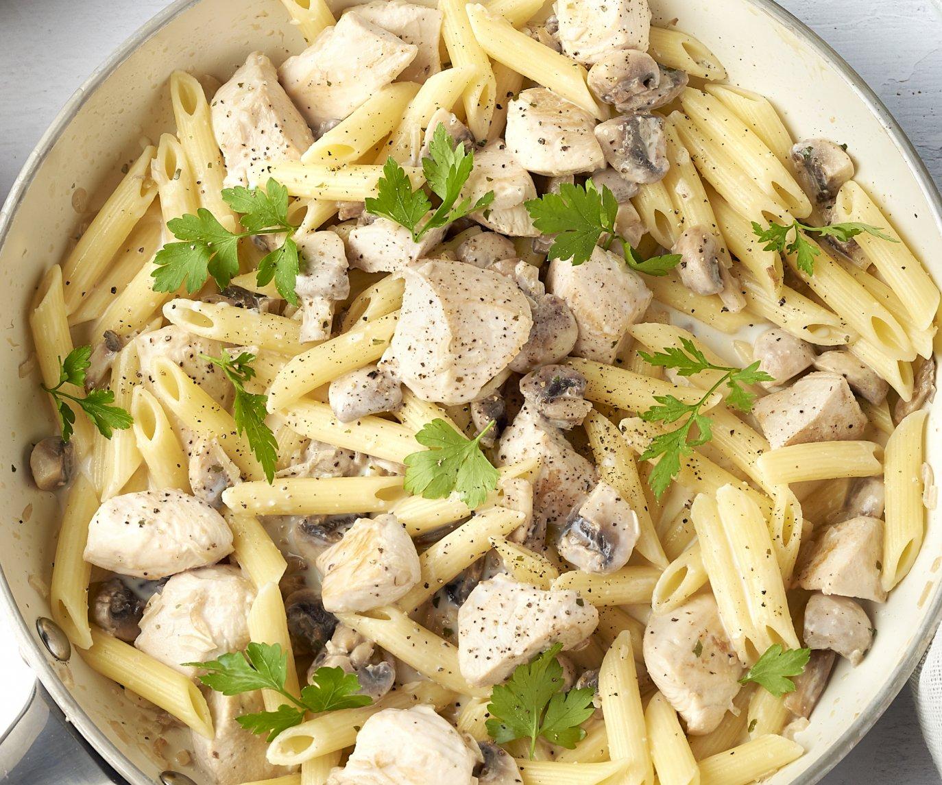 Penne met kip, champignons en kruidenkaas