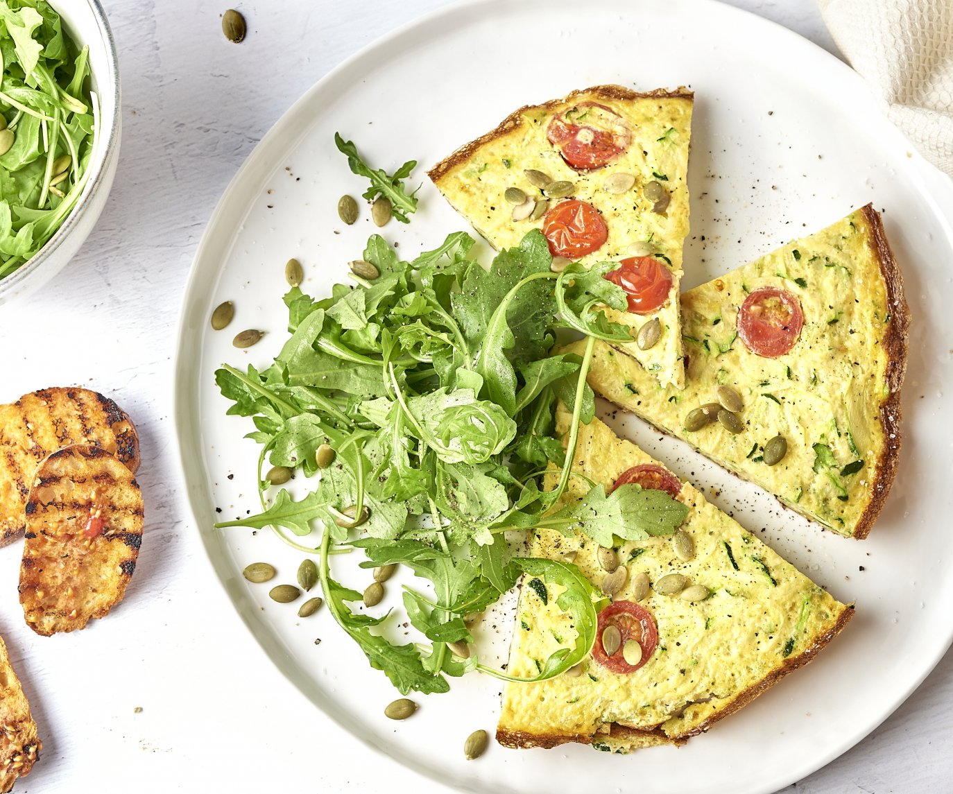 Frittata met pan con tomate