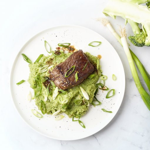Gemarineerde biefstuk met broccolipuree