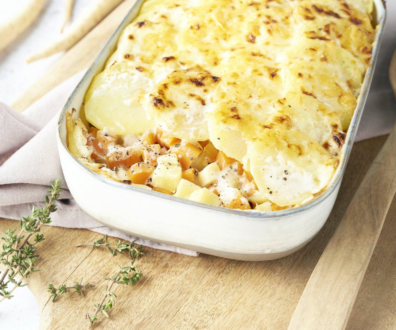 Gratin met wortel en pastinaak, kippengehakt en aardappel