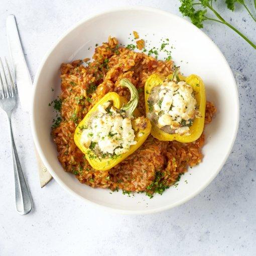 Gevulde paprika's met feta en Spaanse rijst