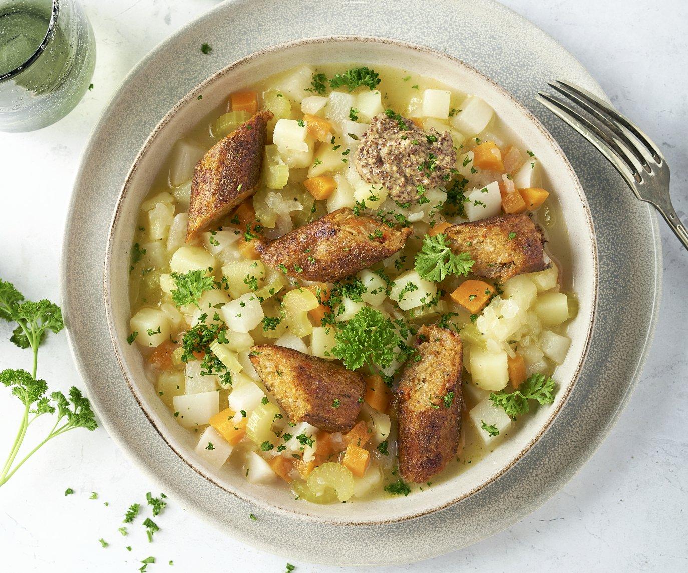 Hutsepot met groenteworst en graanmosterd