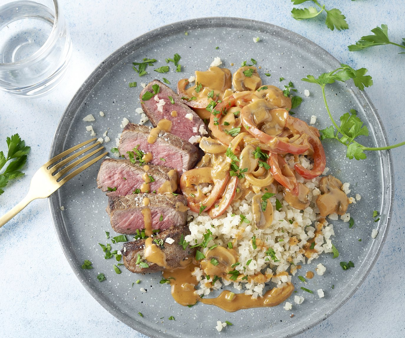 Steak stroganoff met bloemkoolrijst