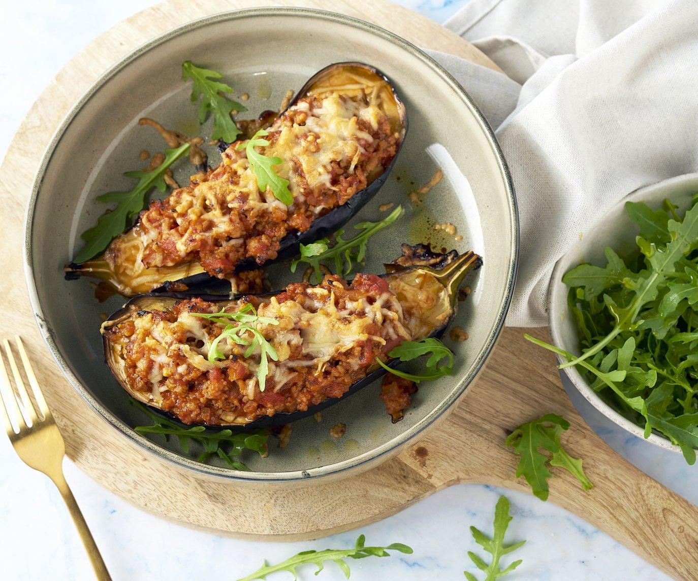 Gepofte aubergine met gehakt uit de oven