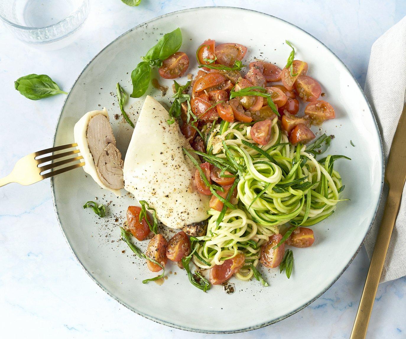 Kip 'bruschetta' met courgettespaghetti