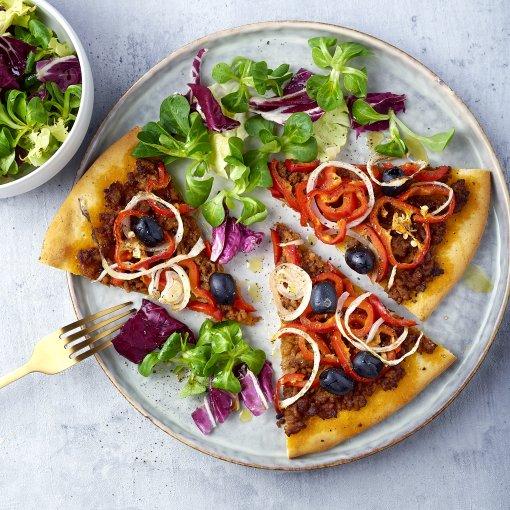 Turkse pizza met gehakt en paprika